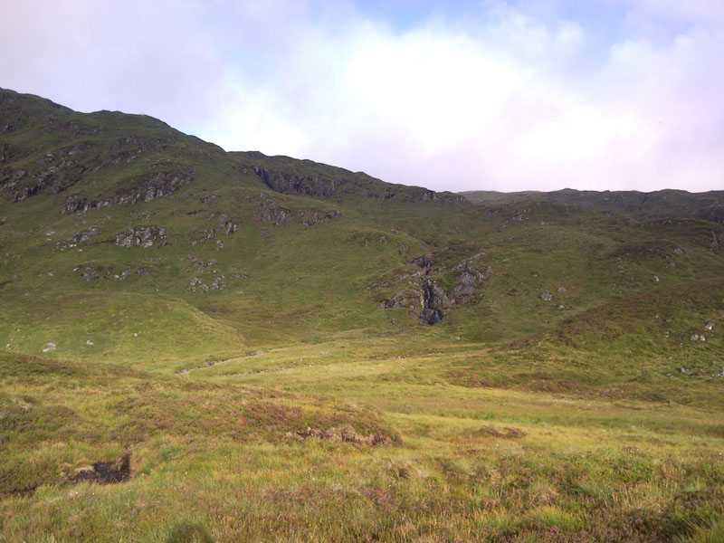28 Looking up the Northern slope of Creag Na h-Achlarich